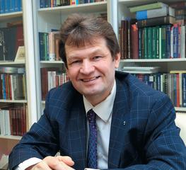 Султанов Айдар Рустэмович, Начальник юридического управления ПАО «Нижнекамскнефтехим»,